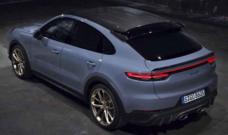 2022-Porsche-Cayenne-Turbo-GT-2