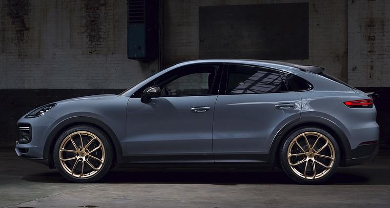 2022-Porsche-Cayenne-Turbo-GT-9