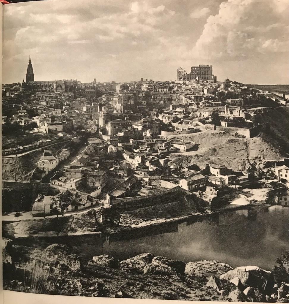 Vista General de Toledo a finales de los años 40. Foto de Afrodisio Aguado