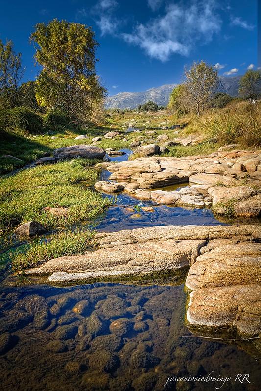 Arroyo en el cauce del río Tiétar