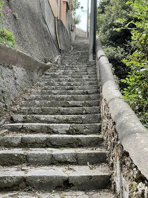 Treppen von Amalfi nach Pontone