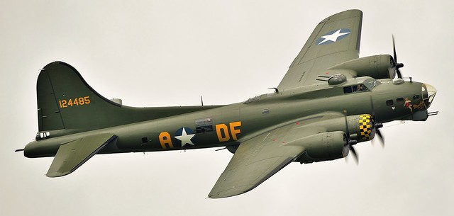 Boeing B-17G Flying Fortress Sally B 124484 on one side and on the other side it has  USAAF Memphis Belle 124485 G-BEDF
