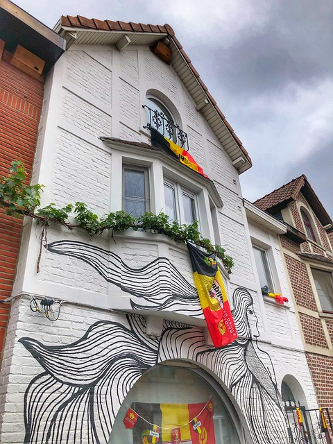 """beautiful mural """"long haired lady"""" from artist Stina De Roeck"""