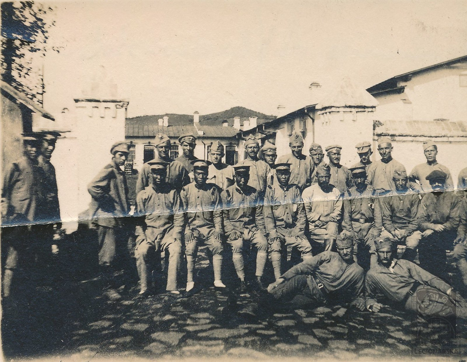 1920. Японские и чехословацкие военные в больнице