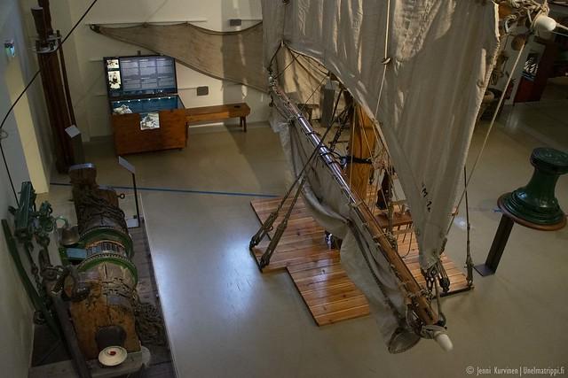 Purjelaivan masto Merenkulkumuseossa