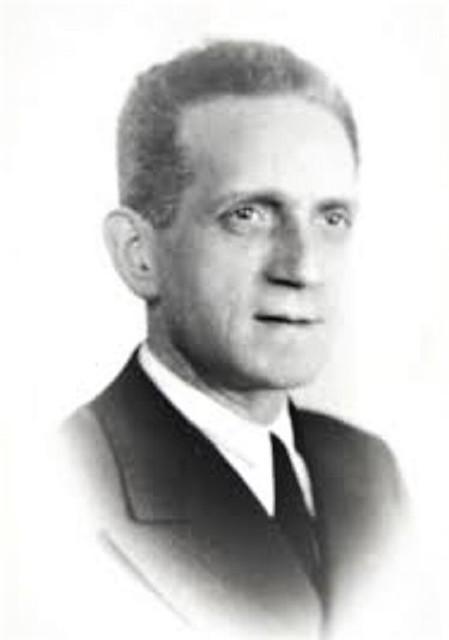 Afrodisio Aguado Ibáñez en 1947. Archivo de D. Enrique Obregón Aguado.