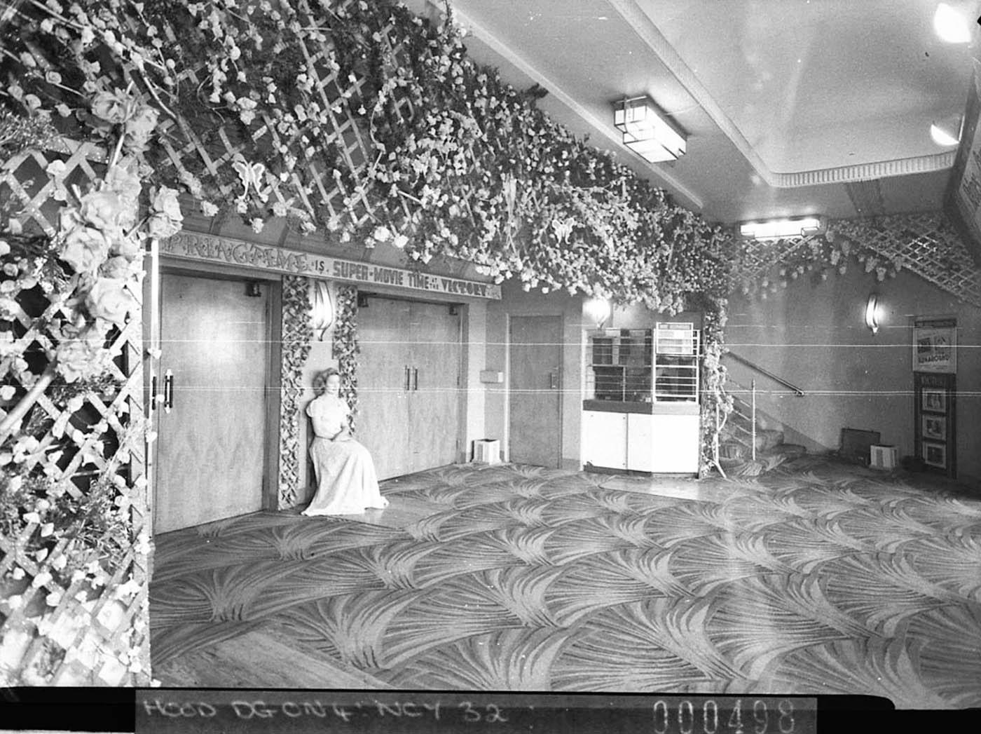 Vestibule of Victory cinema George Street, 1946