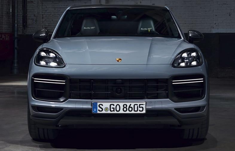 2022-Porsche-Cayenne-Turbo-GT-6