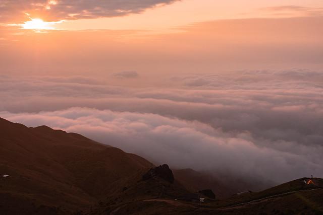 #SeaOfClouds #大東山 #SunsetPeak #20210406