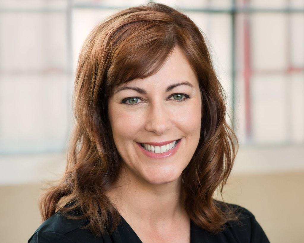 Dr. Jennifer Sullivan Headshot
