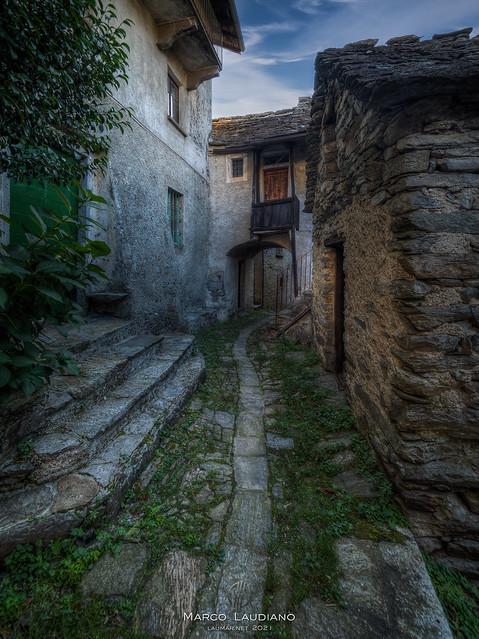 The silence of Oggiogno, Book I  >>>EXPLORED<<<