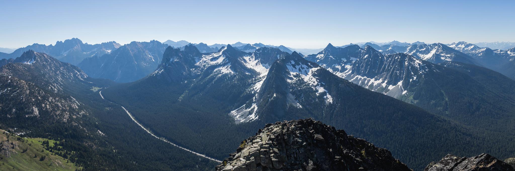 Eastern panoramic view with Washington Pass