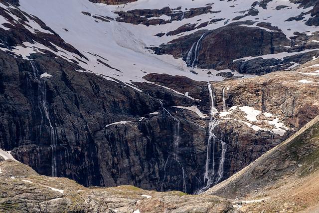 Alp Grüm: water flows (2/3)