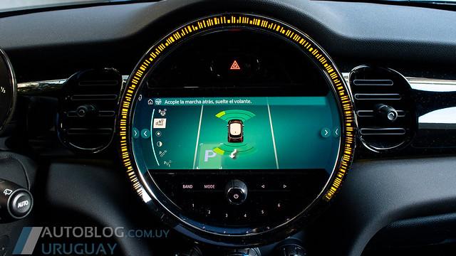 Contacto MINI Cooper S Hatch 3 Door JCW Sport 2.0 T DKG Steptronic
