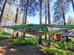 Spaní ve stanech zavěšených mezi stromy - Fräkmüntegg