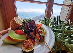 Kuřecí špíz se zeleninou v hotelu Pilatus Kulm