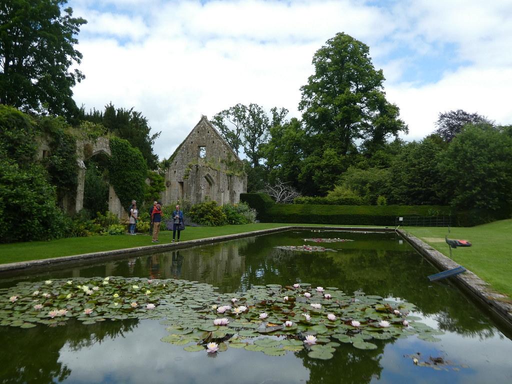 Ornamental lily pond, Sudeley Castle