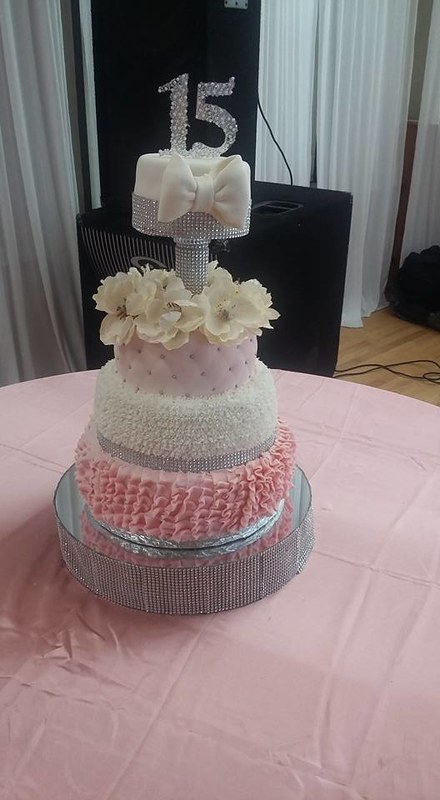 Cake by Vero's Cakes