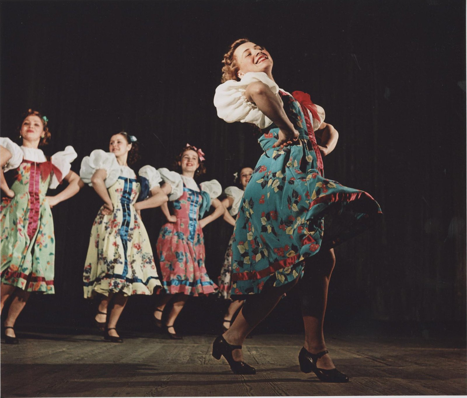 1950-е. Ансамбль народного танца СССР. Танец «Полянка»