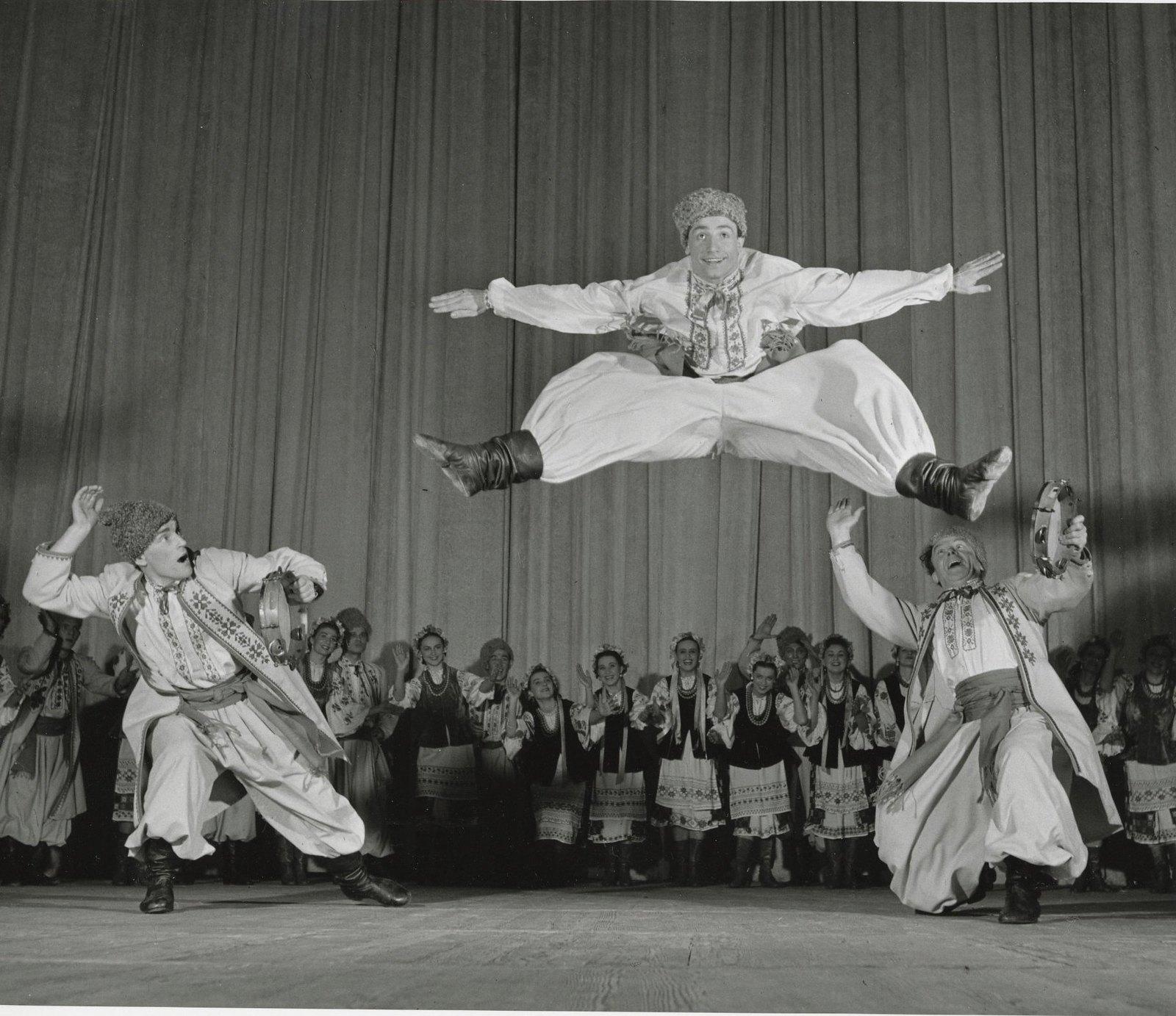 1958.  Ансамбль народного танца СССР. Украинская сюита «Веснянка»