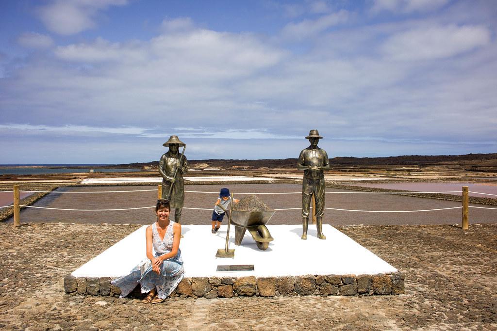 Monumento a las salinas en Lanzarote