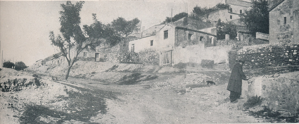 Carreras de San Sebastián. Foto incluida en el Plan General de Ordenación de Toledo publicado en 1945 en la Revista Nacional de Arquitectura. Colección personal de Eduardo Sánchez Butragueño.