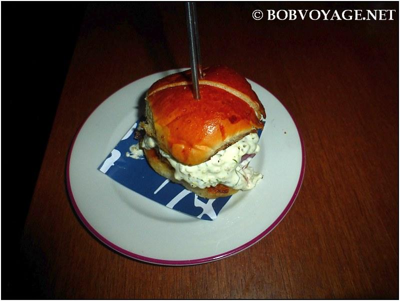 צ'יזבורגר ב- בר 51 (Bar 51)