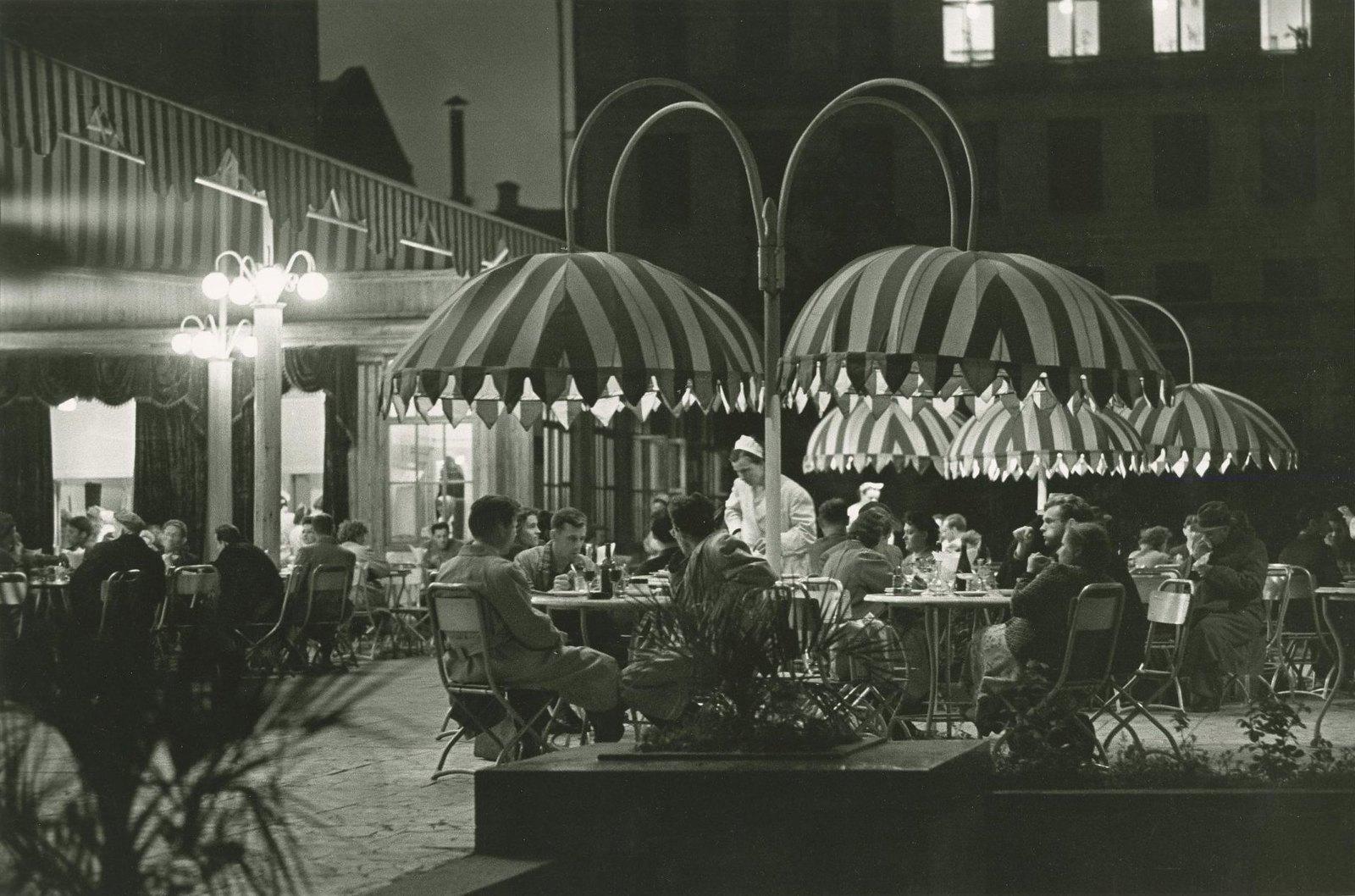 1957. Кафе «Дружба» на Петровке