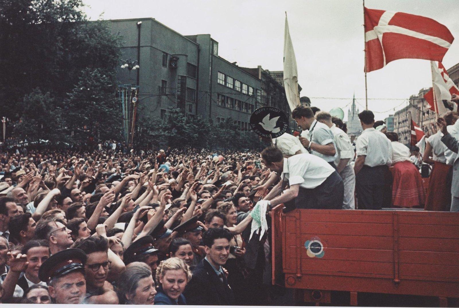 1957. VI Всемирный фестиваль молодежи и студентов в Москве. Садовое кольцо
