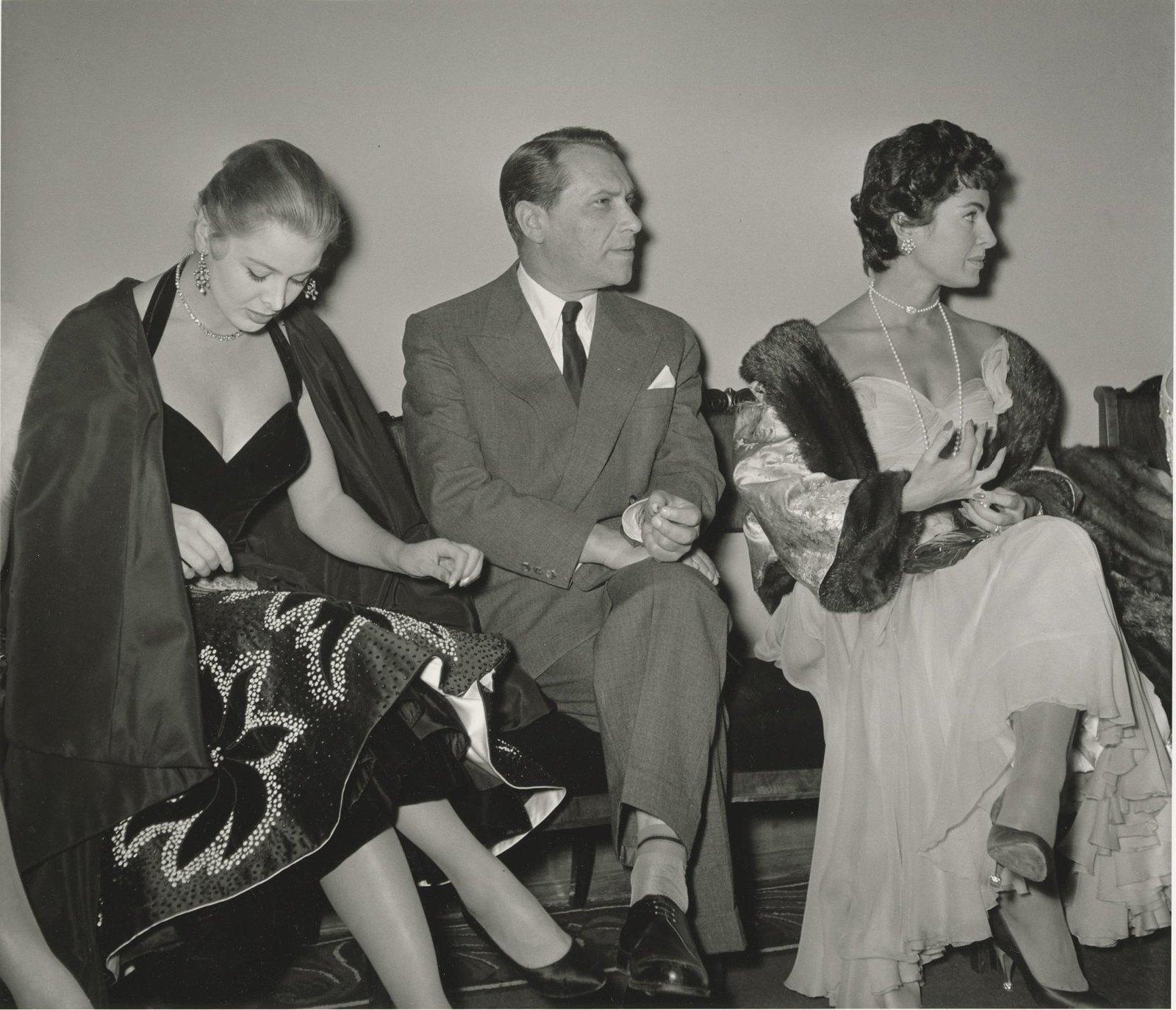 1956.  Марк Бернес и итальянские актрисы Сильвана Пампанини и Элеонора Росси Драго. Неделя Итальянского кино в кинотеатре «Ударник»