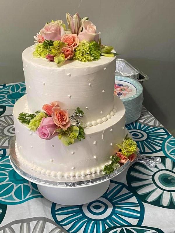 Wedding Cake by CakesTucson.com - MasPasteles.com