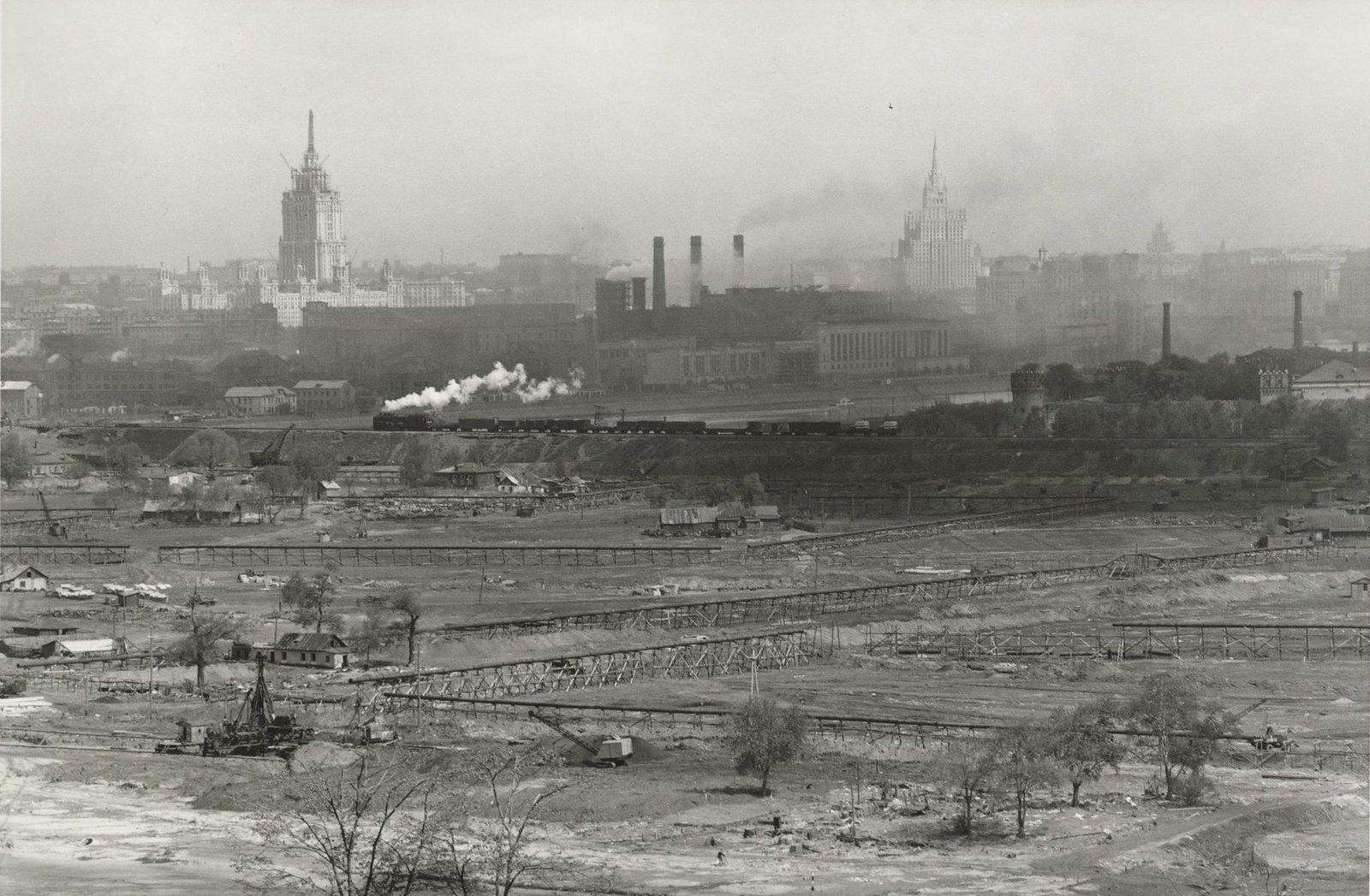 1954. Строительство спортивного комплекса в Лужниках. Окружная железная дорога
