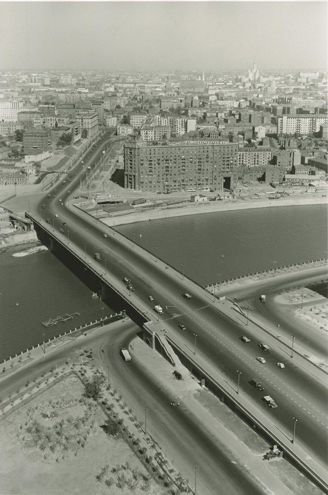 1956.  Вид на Москву из гостиницы «Украина».
