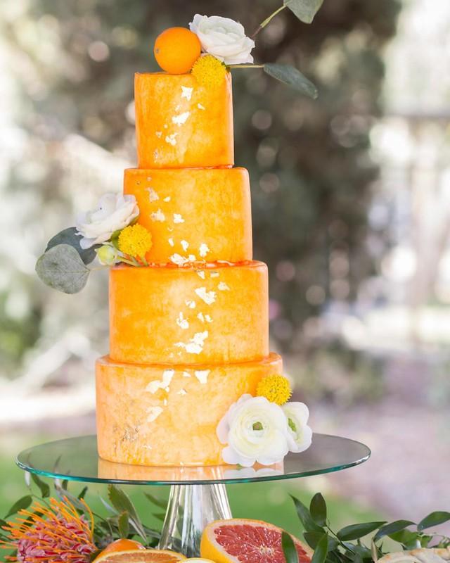 Cake by Valmbakery
