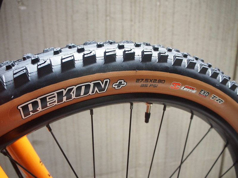 SURLY Lowside Tangerine Tire 2