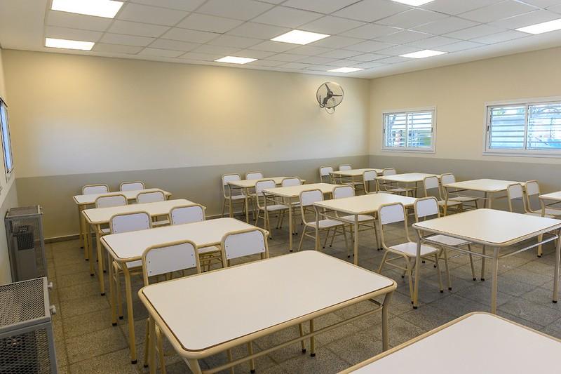 Escuelas y Jardines municipales reciben nuevo mobiliario