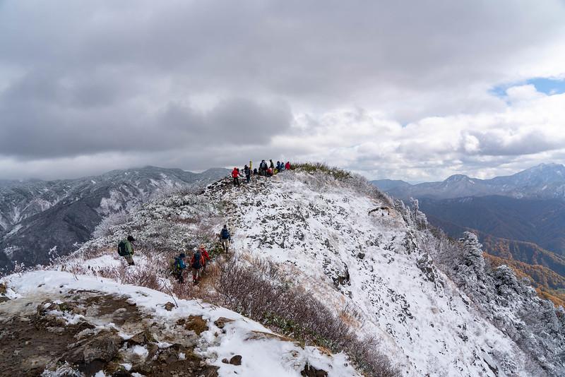 雨飾山の山頂