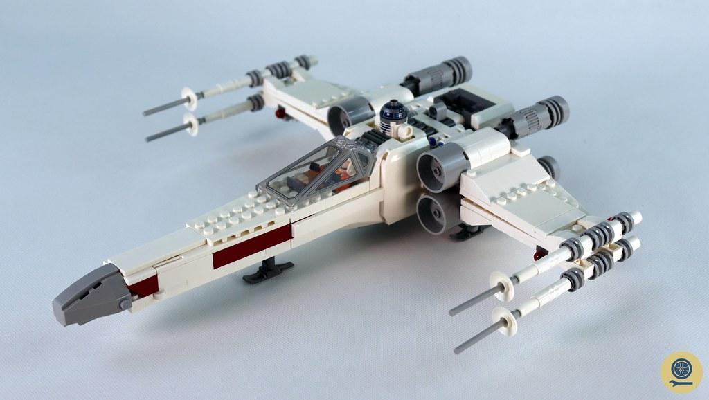 75301 Luke Skywalker's X-wing Fighter (1)