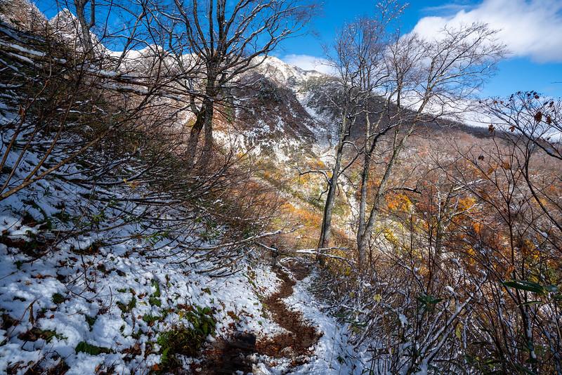 降雪直後の雨飾山