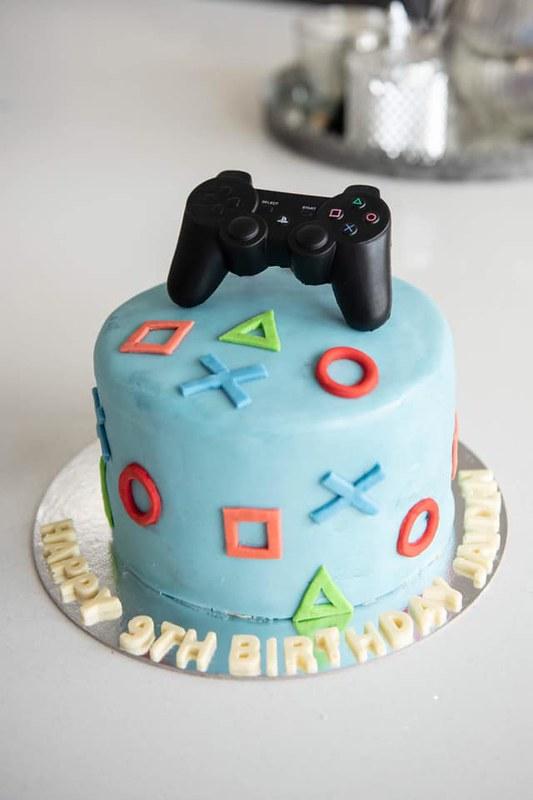 Cake by Shanaya Bakes