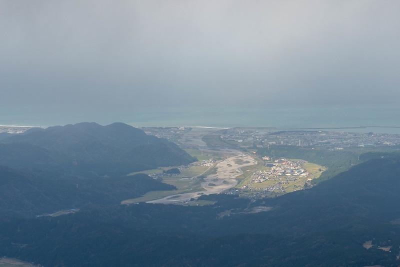 雨飾山から見える日本海