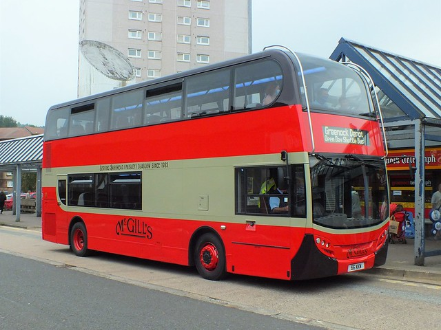 66XKW SN59AWX J8960 McGills Enviro 400 in heritage livery at Greenock bus station whilst operating shuttles to the depot
