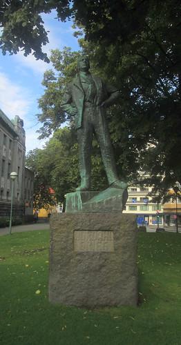 Nordahl Greig Statue, Bergen