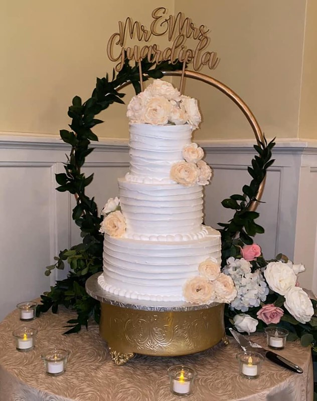 Cake by Kassandra's Bakery
