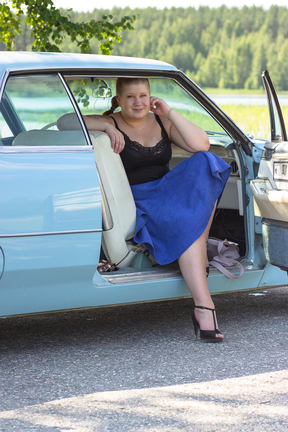 Ajelemassa-Cadillacilla