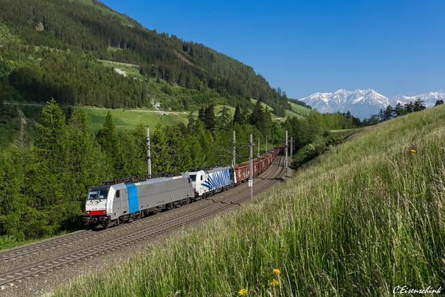 Railpool 186 259 mit 186 440 bei Mühlbachl
