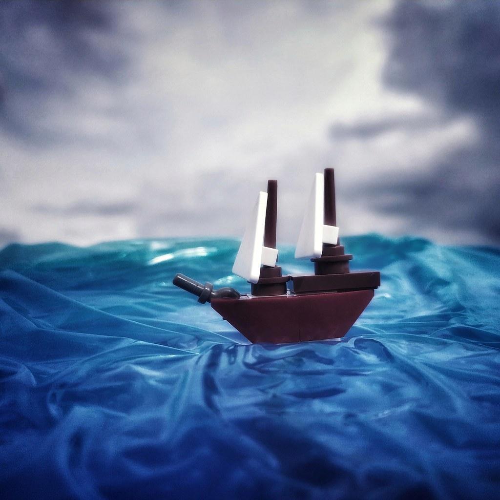 Salony boat