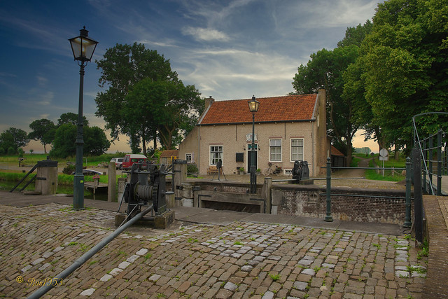 Dirksland Sas  -  (3)