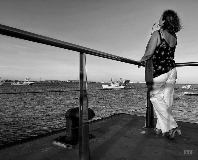 …y ver los barcos venir…