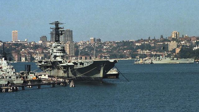 HMAS Melbourne and HMAS Yarra